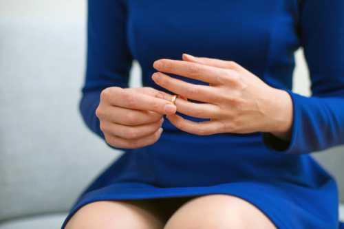5 сигналов о проблемах со здоровьем, которые посылают тебе ногти на руках